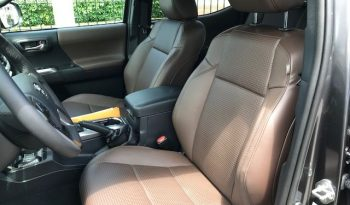 Toyota Tacoma 2018 Limited en Panama disponible completo