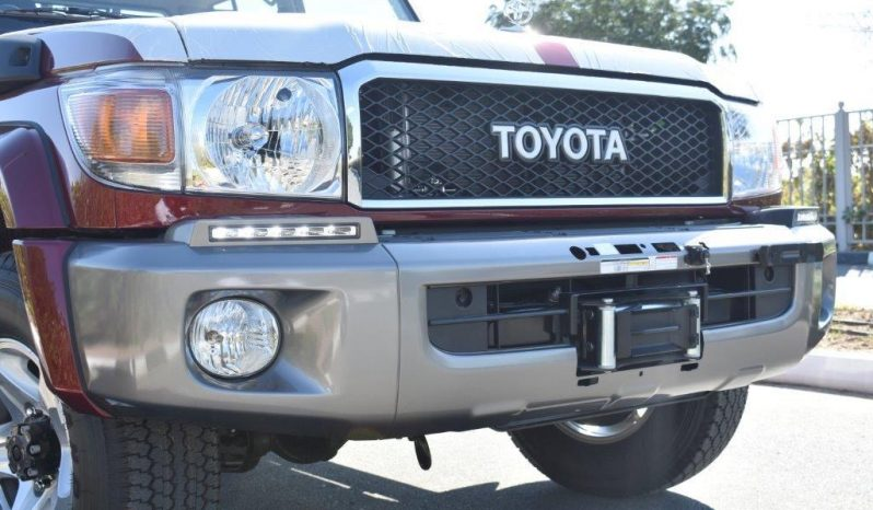 TOYOTA LC79 2020 DOBLE CABINA FULL EXTRAS lleno